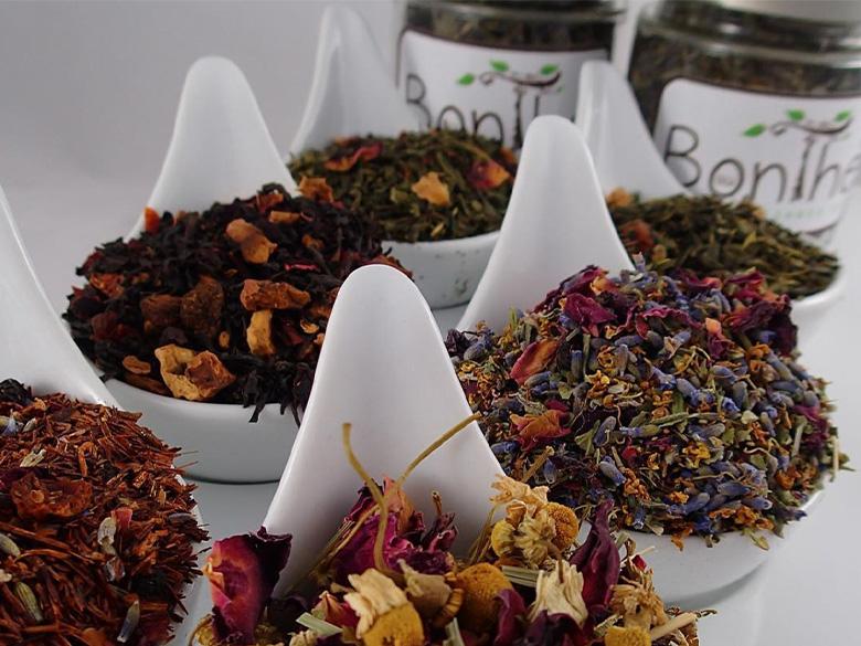 Découvrez Au BonThé, délicieuse variété de thés et d'herbes biologiques