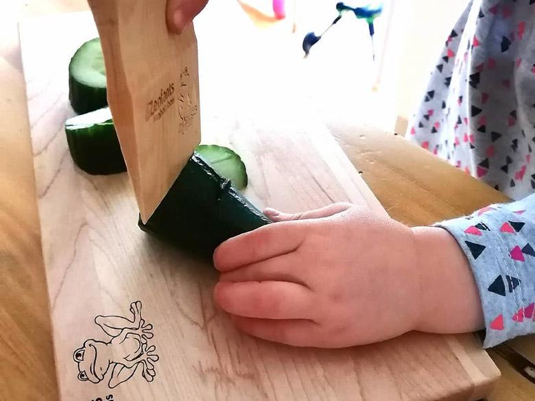 Couteaux et planches à découper pour cuisiner en toute sécurité avec vos petits
